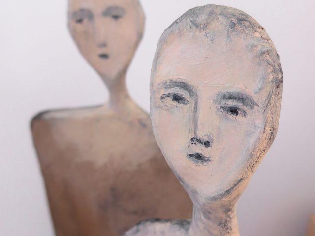 Skulpturgruppe / Bemalet papmache